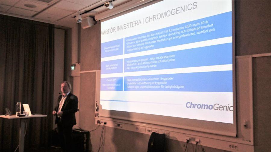 ChromoGenics holding a presentation in a classrom att Investerardagen in Stockholm