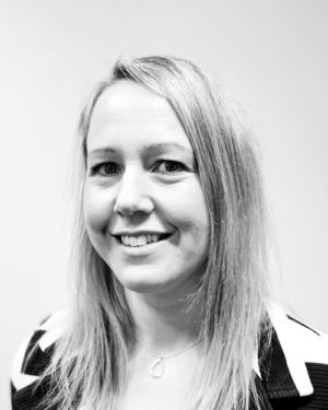 Black and white profil picture of Emma Håkansson, Accounting Manager at ChromoGenics