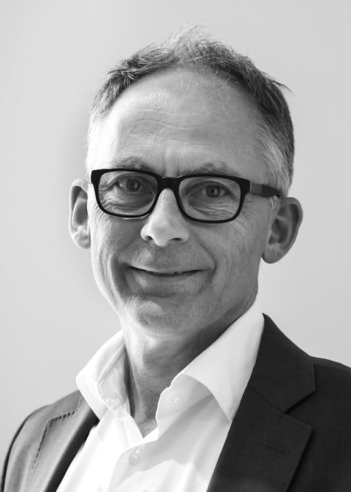 Black and white profil picture of Peter Gustafson, board of directors at ChromoGenics